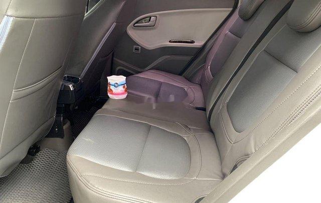 Cần bán Kia Morning năm sản xuất 2015, màu trắng9