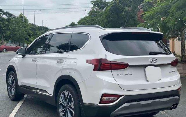 Cần bán gấp Hyundai Santa Fe 2020, màu trắng số tự động3
