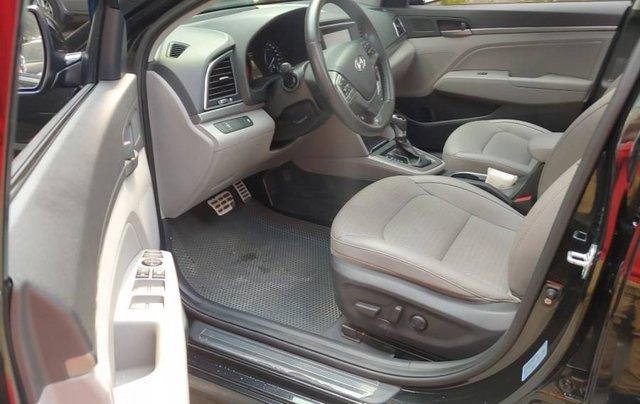 Bán Hyundai Elantra sản xuất năm 2017, màu đen như mới4