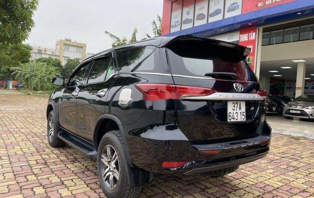 Bán xe Toyota Fortuner sản xuất năm 2019, màu đen  5