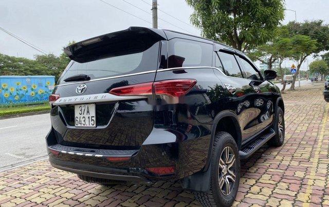 Bán xe Toyota Fortuner sản xuất năm 2019, màu đen  4