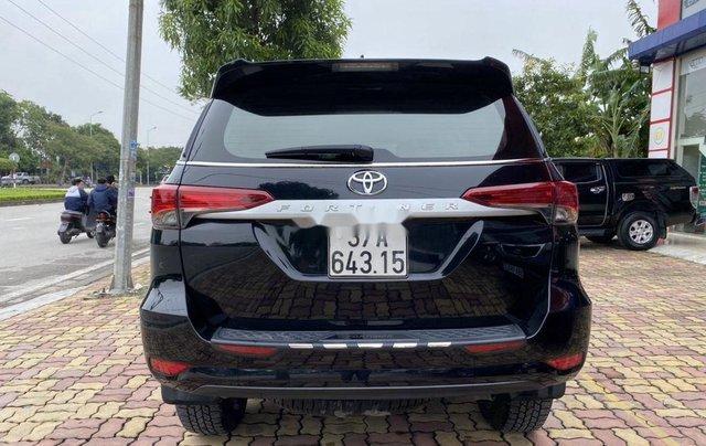 Bán xe Toyota Fortuner sản xuất năm 2019, màu đen  3