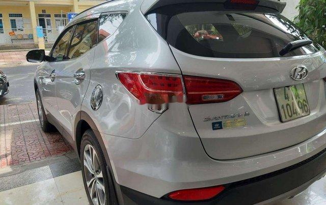 Xe Hyundai Santa Fe năm sản xuất 2015 còn mới5