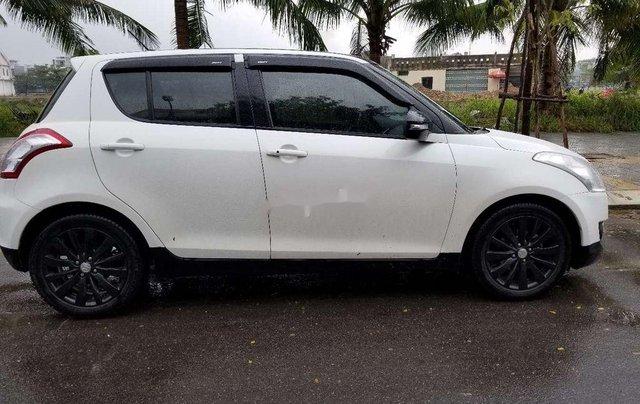 Cần bán Suzuki Swift đời 2017, màu trắng 6