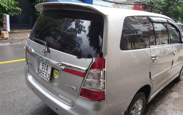 Cần bán Toyota Innova sản xuất 2014, màu ghi1