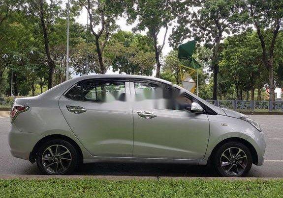 Cần bán lại xe Hyundai Grand i10 đời 2015, màu bạc số sàn1