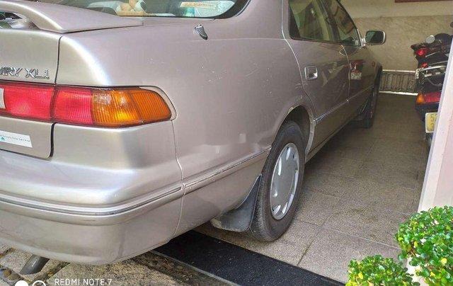 Cần bán lại xe Toyota Camry đời 2000, xe nhập, giá 200tr5