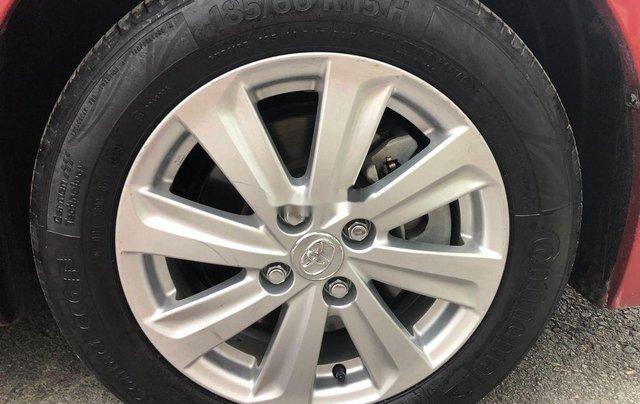 Bán nhanh chiếc Toyota Yaris sản xuất năm 2014, xe nhập, giá mềm8