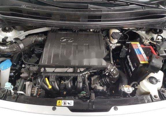 Cần bán lại xe Hyundai Grand i10 đời 2015, màu bạc số sàn10