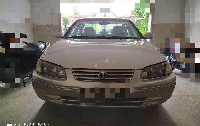 Cần bán lại xe Toyota Camry đời 2000, xe nhập, giá 200tr0