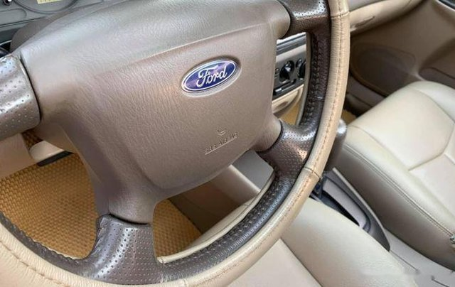 Bán Ford Laser sản xuất năm 2004, màu bạc còn mới giá cạnh tranh4