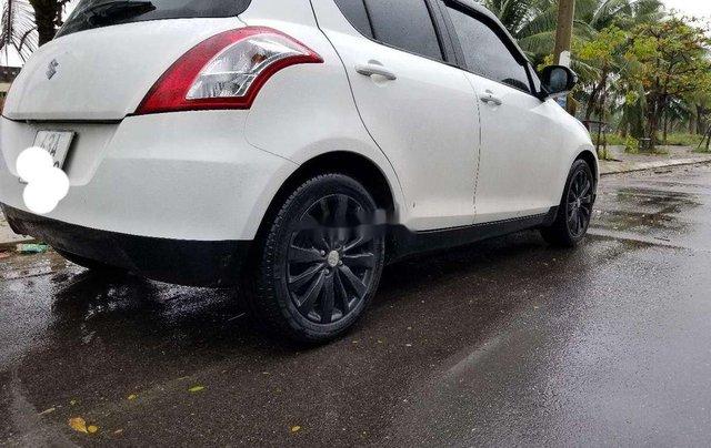 Cần bán Suzuki Swift đời 2017, màu trắng 1