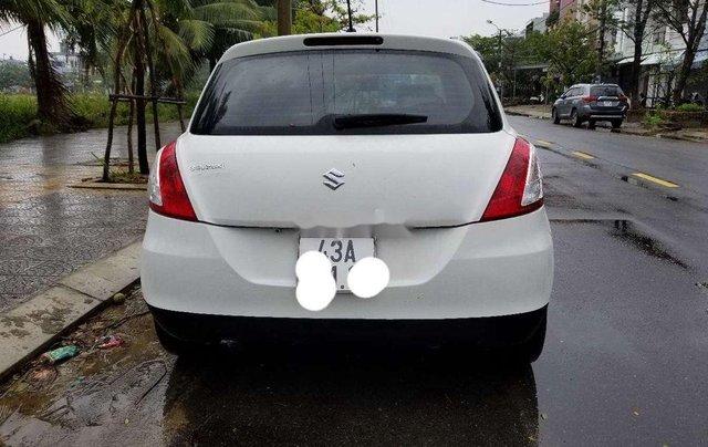 Cần bán Suzuki Swift đời 2017, màu trắng 2