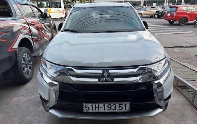 Bán Mitsubishi Outlander năm 2019 còn mới giá cạnh tranh0