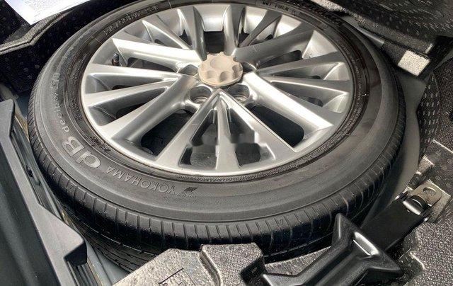 Bán Toyota Camry sản xuất năm 2018, xe một đời chủ giá ưu đãi3