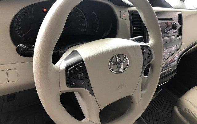 Bán Toyota Sienna đời 2012, màu vàng xe gia đình3
