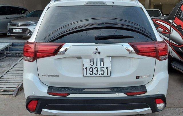 Bán Mitsubishi Outlander năm 2019 còn mới giá cạnh tranh4