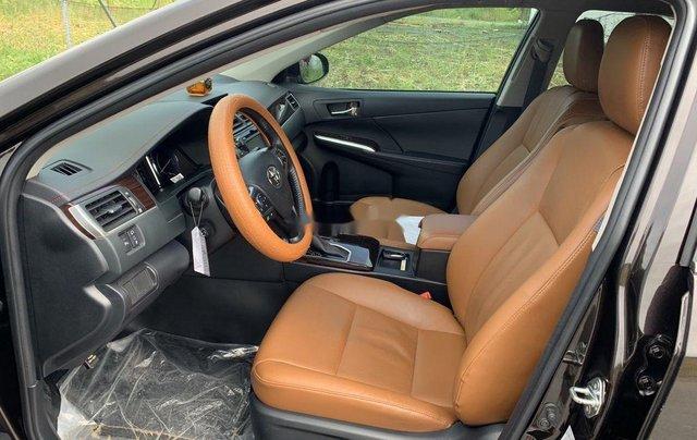 Bán Toyota Camry sản xuất năm 2018, xe một đời chủ giá ưu đãi4