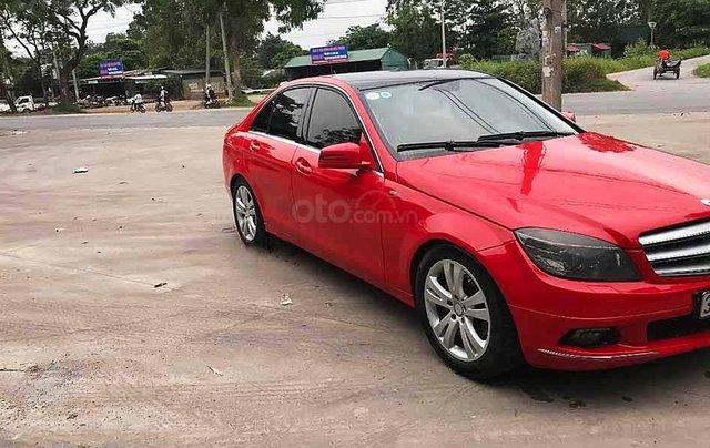 Cần bán xe Mercedes C class sản xuất 2010, màu đỏ còn mới0