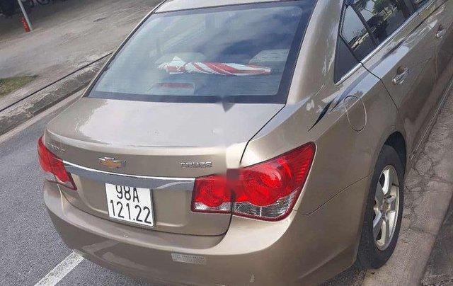 Cần bán gấp Chevrolet Cruze sản xuất năm 2010, xe nhập, giá cực thấp3
