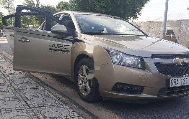 Cần bán gấp Chevrolet Cruze sản xuất năm 2010, xe nhập, giá cực thấp11
