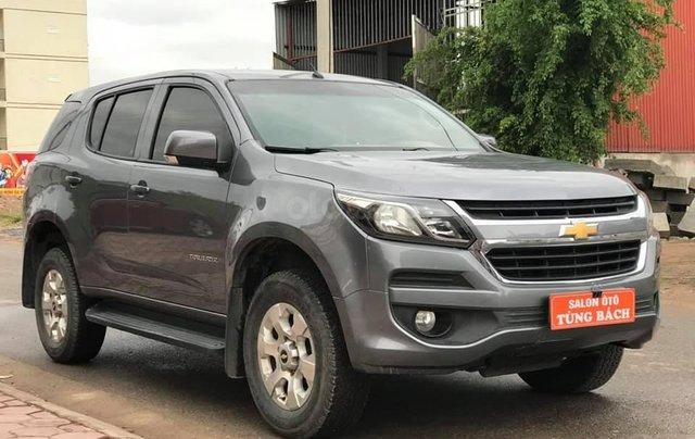 Cần bán xe Chevrolet Trailblazer sản xuất 2018, màu xám bạc3