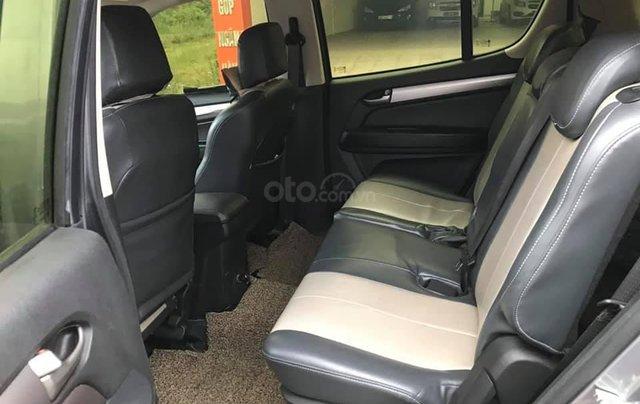 Cần bán xe Chevrolet Trailblazer sản xuất 2018, màu xám bạc4