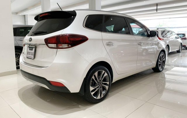 Bán xe Kia Rondo 2.0GAT, SX 2018 mới như xe hãng4