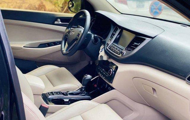 Cần bán gấp Hyundai Tucson năm sản xuất 2019, chính chủ sử dụng9