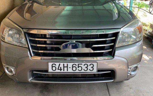 Cần bán xe Ford Everest năm 2010, màu xám, xe nhập số sàn0