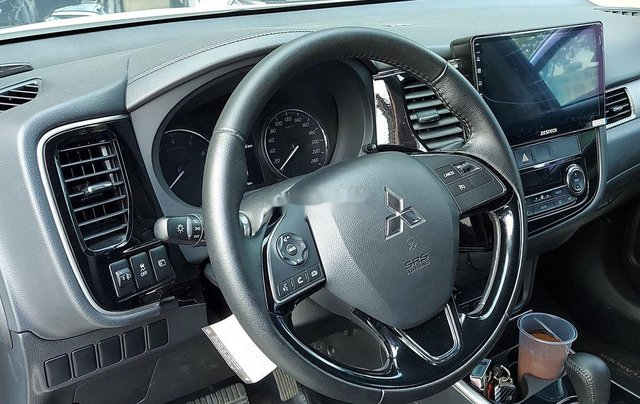 Bán Mitsubishi Outlander năm 2019 còn mới giá cạnh tranh6