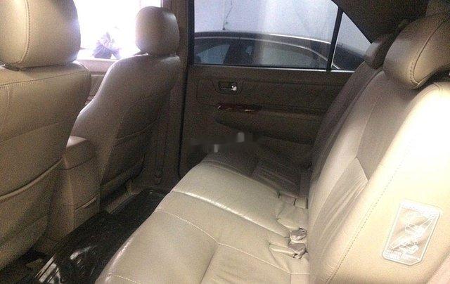 Cần bán Toyota Fortuner sản xuất 2011 còn mới8