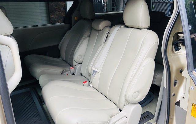 Bán Toyota Sienna đời 2012, màu vàng xe gia đình8