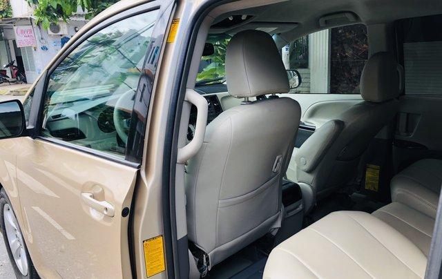 Bán Toyota Sienna đời 2012, màu vàng xe gia đình5