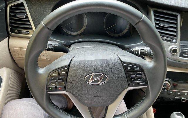 Cần bán gấp Hyundai Tucson năm sản xuất 2019, chính chủ sử dụng11