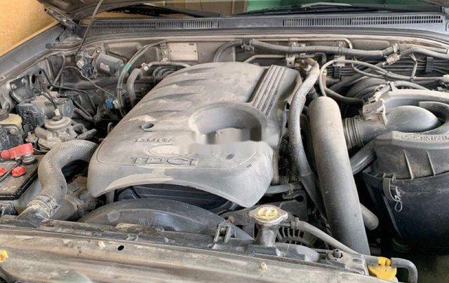 Cần bán xe Ford Everest năm 2010, màu xám, xe nhập số sàn4