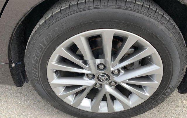 Bán Toyota Camry sản xuất năm 2018, xe một đời chủ giá ưu đãi2