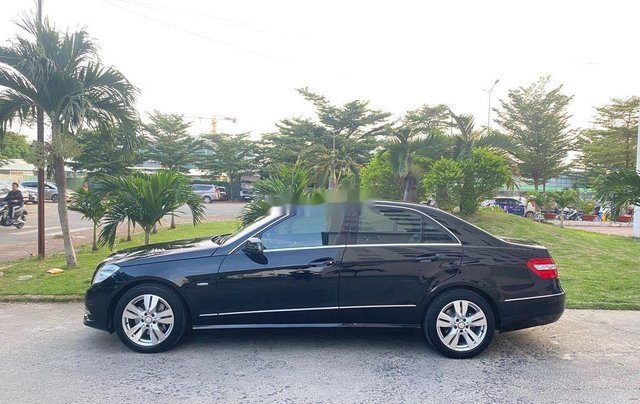 Cần bán xe Mercedes E250 sản xuất 2012, màu đen, giá chỉ 699 triệu2