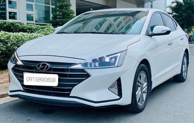 Cần bán lại xe Hyundai Elantra năm 2019, màu trắng 2