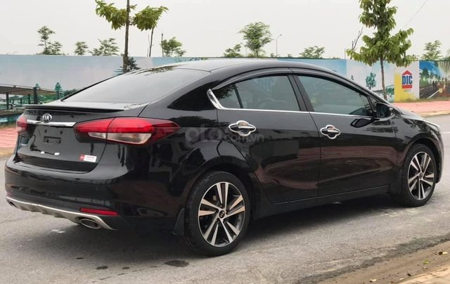 Hỗ trợ mua xe giá thấp chiếc Kia Cerato 1.6AT sản xuất 2018 bản cao cấp, xe còn mới1