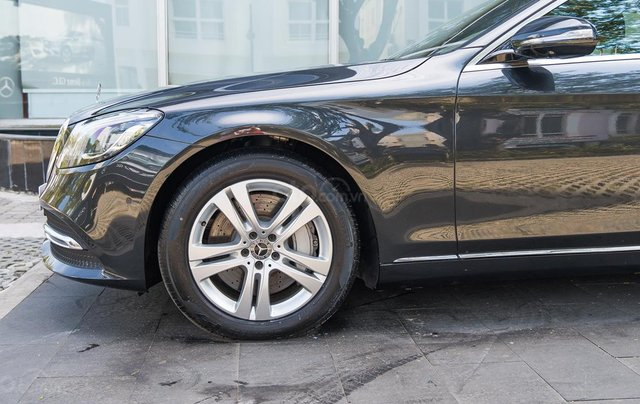 Mercedes-Benz S450L, xe lướt 50km, tặng bảo hiểm + phụ kiện đặc biệt3