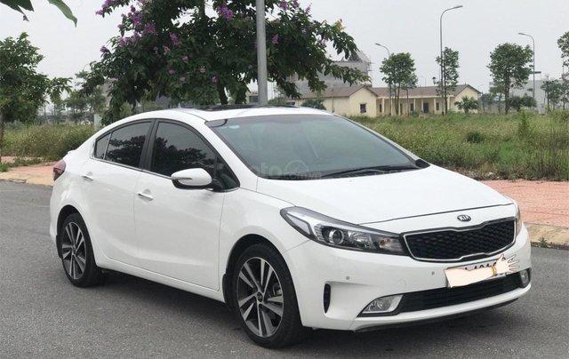 Bán ô tô Kia Cerato sản xuất 2018, màu trắng mới 95% giá 538 triệu đồng1