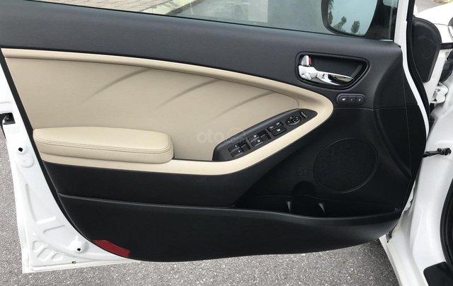Bán ô tô Kia Cerato sản xuất 2018, màu trắng mới 95% giá 538 triệu đồng9