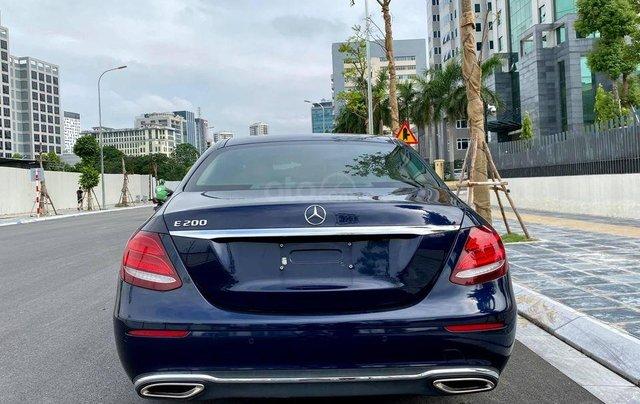 Hỗ trợ mua xe giá tốt với chiếc Mercedes -Benz E200 đời 2017, chính chủ sử dụng còn mới3