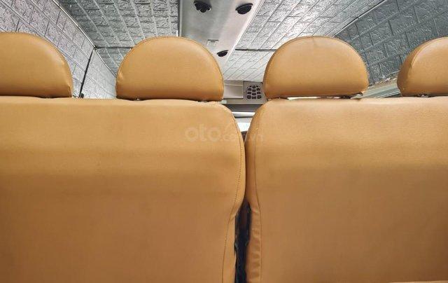 Xe Ford Transit 16 chỗ máy dầu 2 4 xe 4 cửa nội thất vàng chạy 12 0000km 8L /100km xe Việt Nam SX 20058