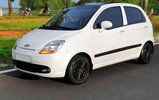 Bán xe Chevrolet Spark sản xuất 2015, màu trắng0