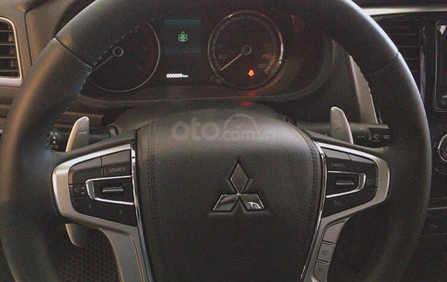 Hỗ trợ mua xe giá thấp chiếc Mitsubishi Triton đời 2020, giao nhanh toàn quốc6