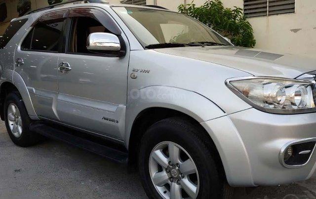 Cần bán gấp với giá ưu đãi nhất chiếc Toyota Fortuner 2.7V 4x4 AT 2009 xe chính chủ còn mới1
