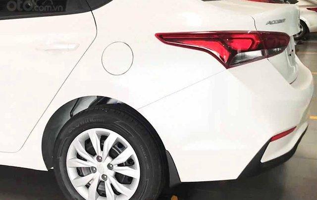Bán xe Hyundai Accent năm sản xuất 2020, màu trắng, giá 425tr2