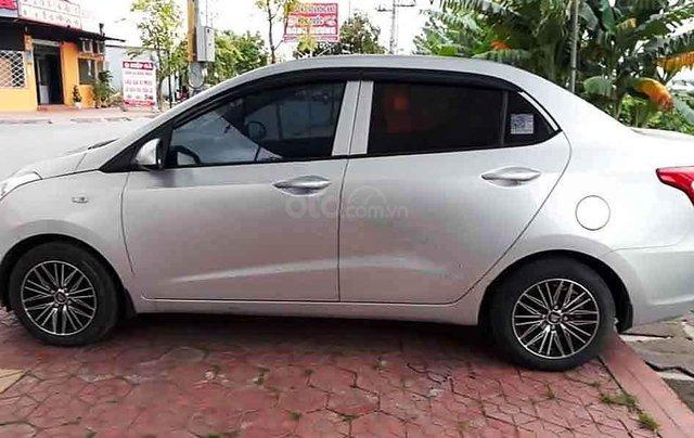 Bán Hyundai Grand i10 năm sản xuất 2016, màu bạc, nhập khẩu, số sàn2